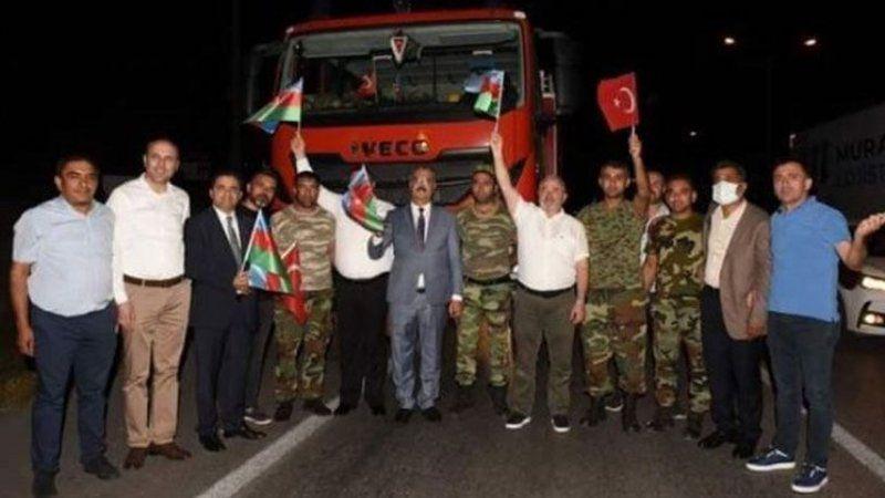 AKP'li başkanlar yangın söndürmeye giden aracı durdurup sohbet etti!