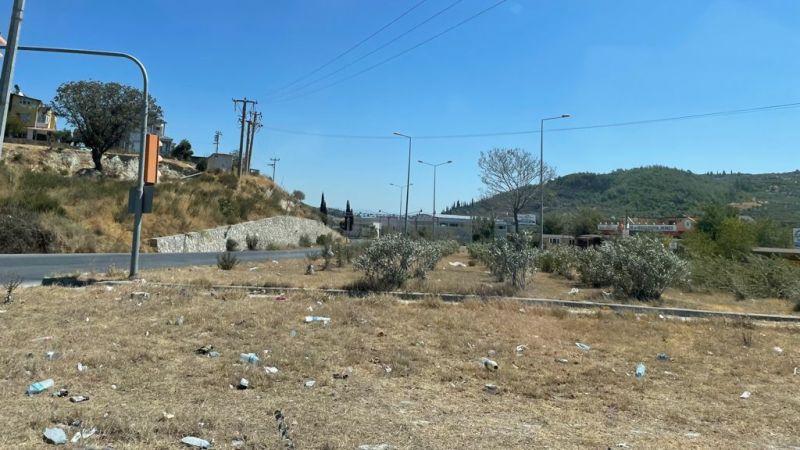 Söke'de Karayolları Müdürlüğü sorumluluğundaki alanlar perişan.. Vatandaş Metin Yavuz'a tepkili