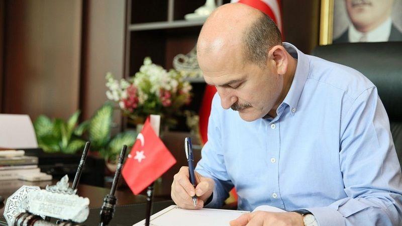 Süleyman Soylu'yu köşeye sıkıştıran siyasi fırtına: İçişleri Bakanlığı'nda 53 kritik ihraç!