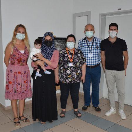 Aydın Adnan Menderes Üniversitesi'nde sağlığına kavuşan Bahar bebek artık rahatça nefes alabilecek
