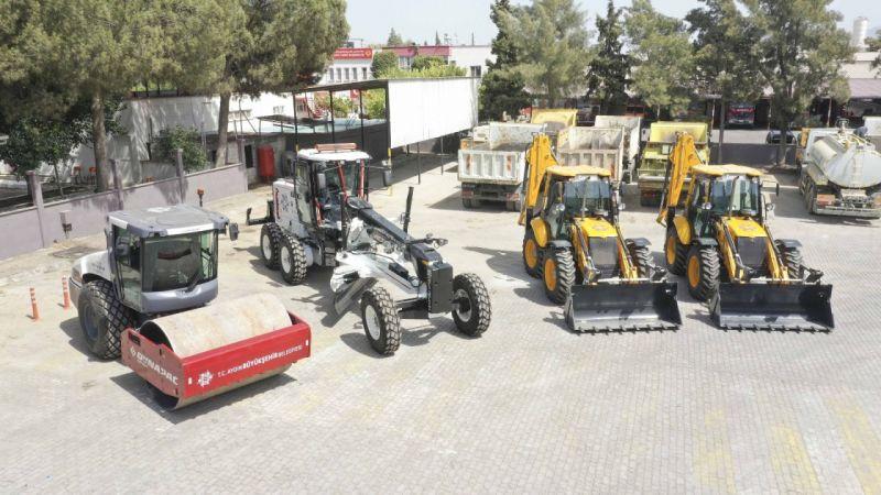 Aydın Büyükşehir Belediyesi araç filosunu yeni iş makineleri ile genişletiyor