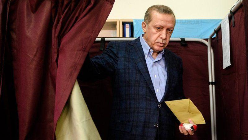 'Başka seçeneği yok' diyerek açıkladı: İşte Erdoğan'ın yeniden aday olmasının tek formülü!