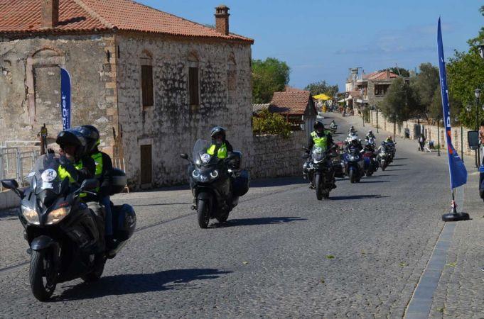 16 ülkeden 200'ü aşkın motorcu Apollon Tapınağı'nı ziyaret etti