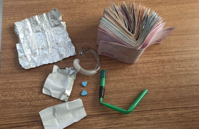 Aydın'da uyuşturucu alışveriş yaparken yakalandılar