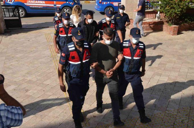 Didim'deki uyuşturucu operasyonunda gözaltındaki 3 şüpheli adliyeye sevk edildi