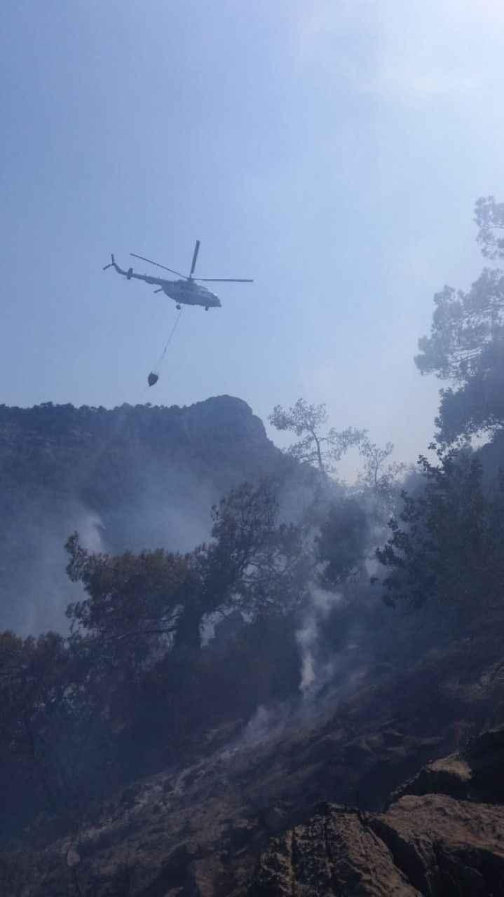 Mersin'in Bozyazı ilçesinde çıkan orman yangını, ekiplerin zamanında müdahalesi ile büyümeden söndürüldü. ile ilgili görsel sonucu