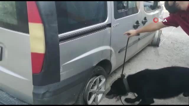 Polis aracına çarpıp kaçan uyuşturucu tacirleri tutuklandı
