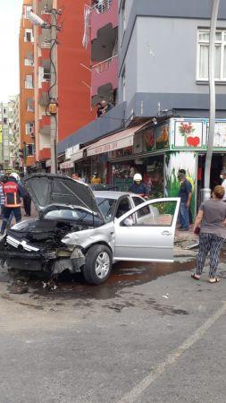 Tarsus'ta iki otomobil çarpıştı: 1 yaralı