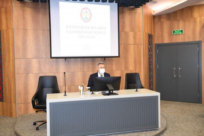 """Vali Elban: """"Bağımlılıkla mücadelede toplumsal duyarlılık arttırılmalı"""""""