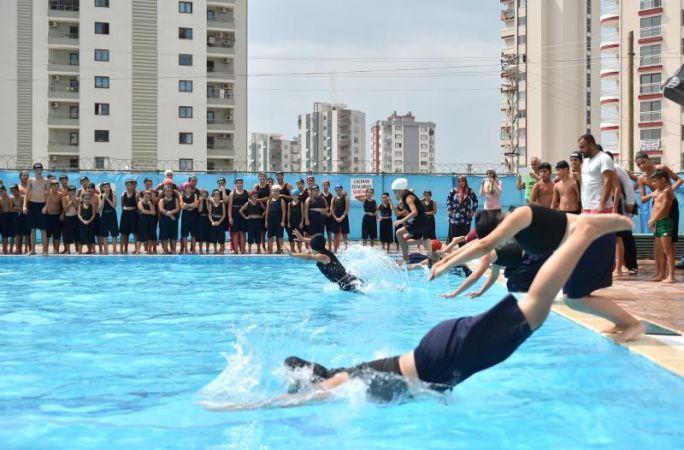 Sarıçam Belediyesi'nden ücretsiz yüzme kursu