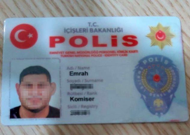 Sahte polis kimliği ve rozetiyle adliyeye girmeye çalışan şüpheli yakalandı