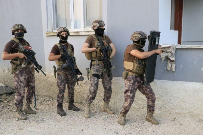 Adana'da suç örgütü operasyonu: 28 gözaltı