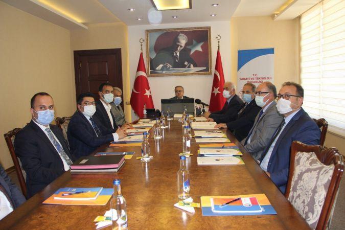 Mersin'in üç önemli projesinin imzaları atıldı