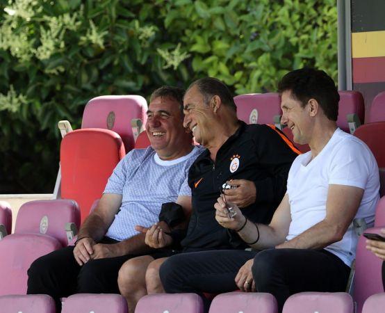 Hagi ve Popescu'dan Galatasaray'a ziyaret