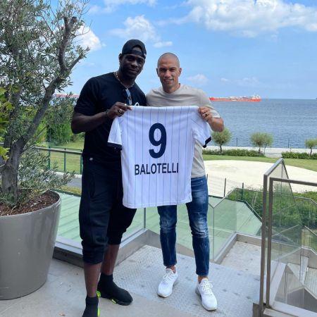 Balotelli 9 numaralı formayı giyecek