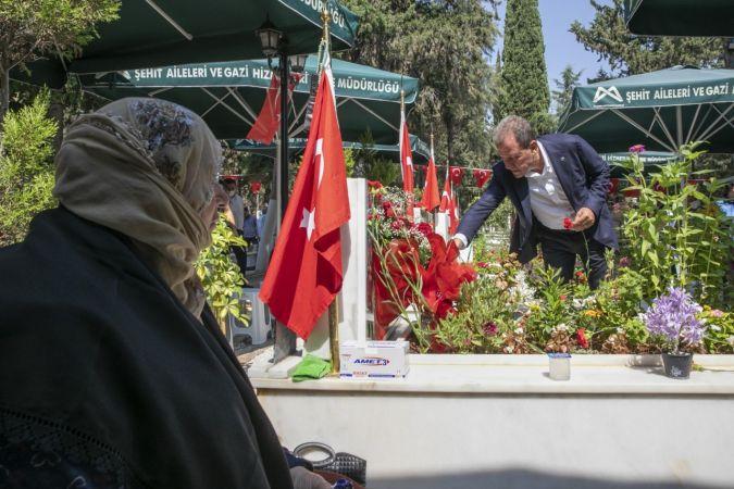Başkan Seçer, şehitlikte şehit aileleriyle bir araya geldi