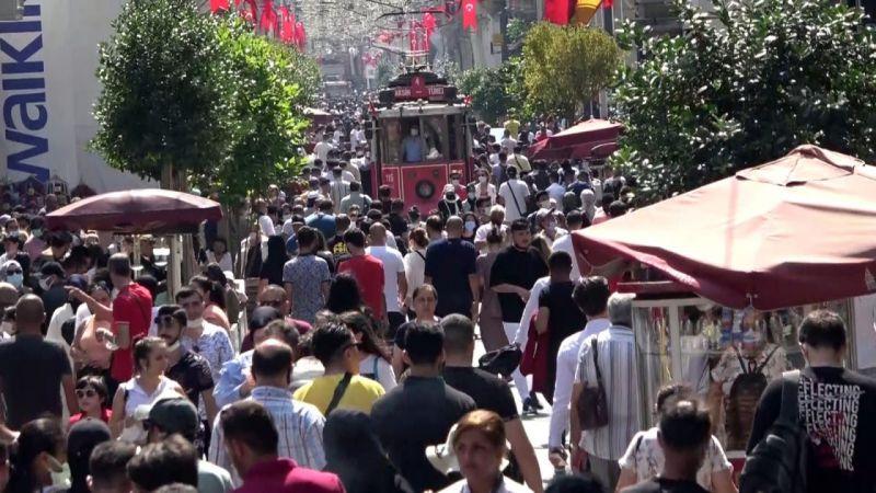 İstiklal Caddesi'nde yoğunluk