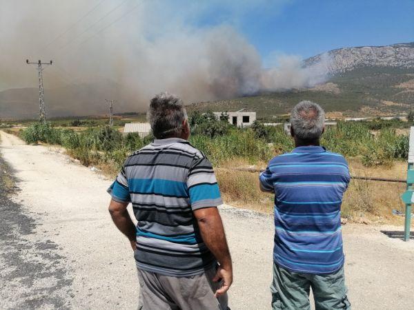Silifke'deki orman yangını büyüyor