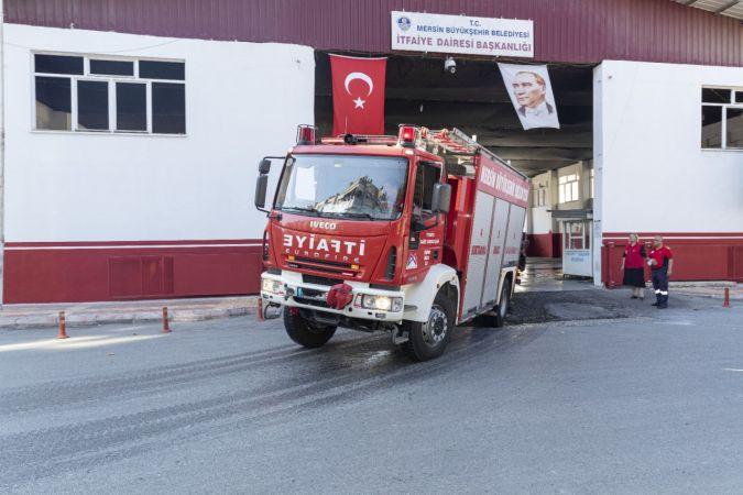Mersin'den yangınla mücadele eden Muğla ve Antalya'ya 9 itfaiye aracıyla destek