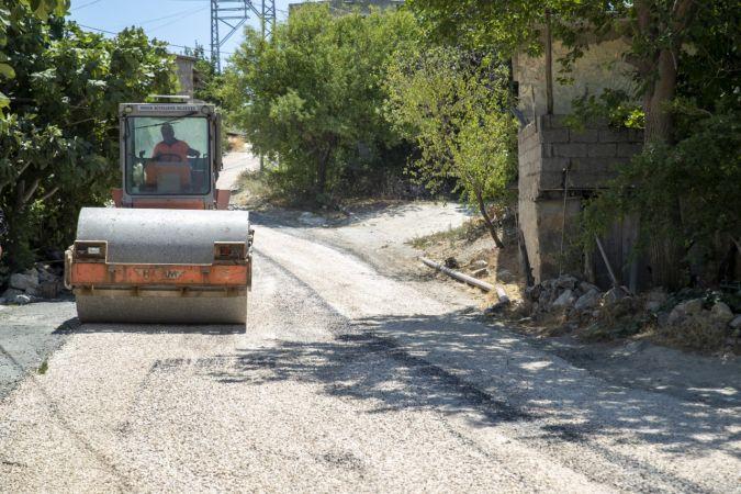 Silifke'de 5 mahalleyi birbirine bağlayan grup yolu yenilendi