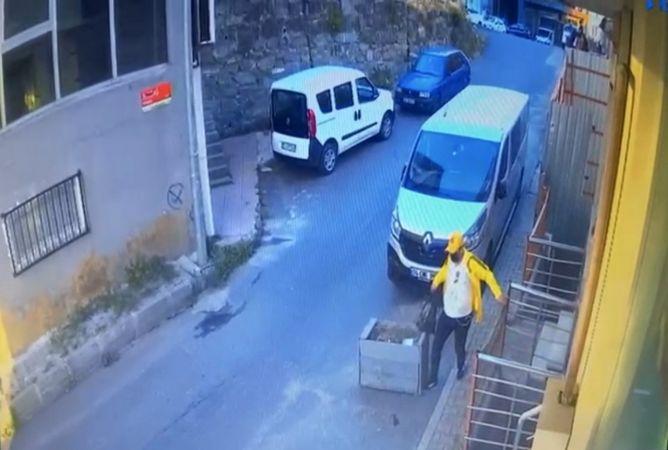 (Özel) Böyle dolap görülmedi, duvara delik açıp 130 bin TL'lik saati çaldılar