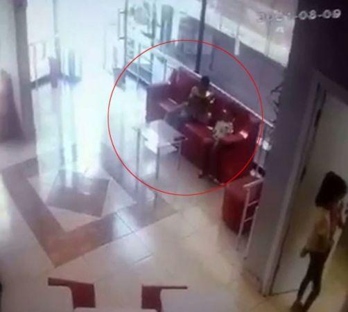 (ÖZEL)Küçükçekmece klinikte telefon hırsızlığı kamerada