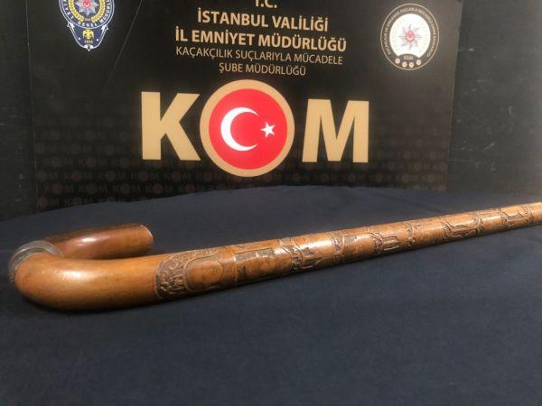 Atatürk'e ait olduğu belirtilerek müzayedede satılmak istenen bastona el konuldu
