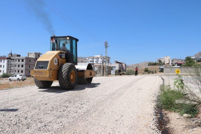 Kozan Belediyesi'nden asfalt atağı