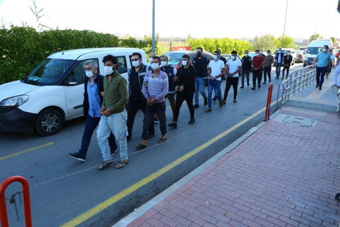 Adana'da 4 göçmen kaçakçısı tutuklandı