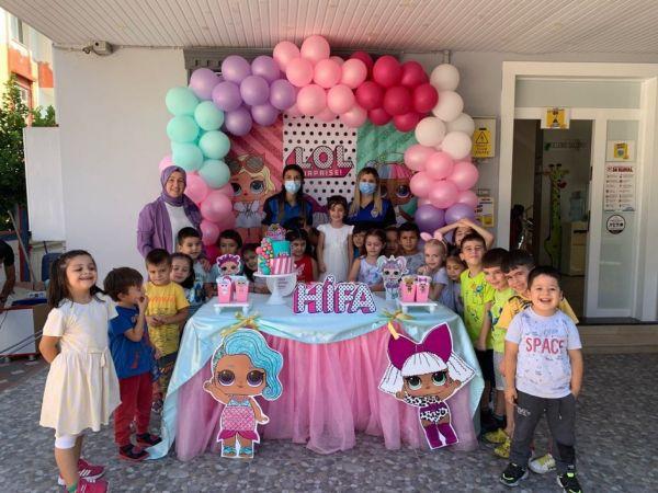 Polisler şehit Ahmet Oruç'un kızının doğum gününü kutladı