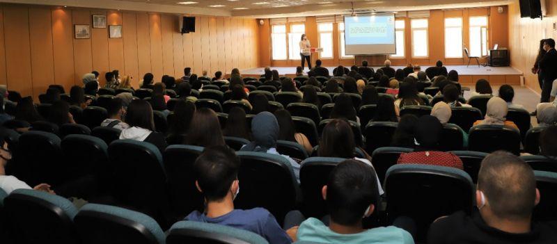 Üniversite öğrencilerine oryantasyon eğitimi