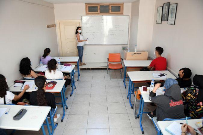 Mersin'de ön lisans öğrencilerinin eğitim yardımı başvuruları başladı