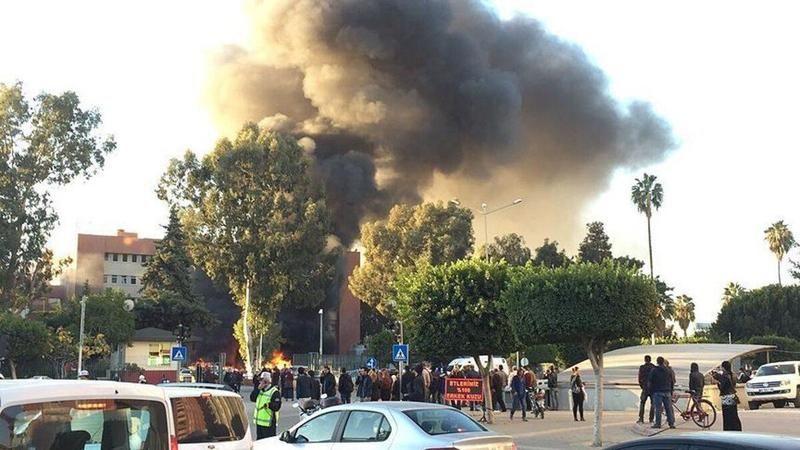 Adana Valiliğine saldırı düzenleyen teröristleri kente getiren sanığa 7 yıl 6 ay hapis