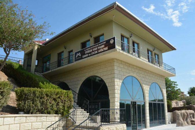 Mersin Büyükşehir Belediyesi, Tarsus'a yeni bir okuma salonu kazandırıyor