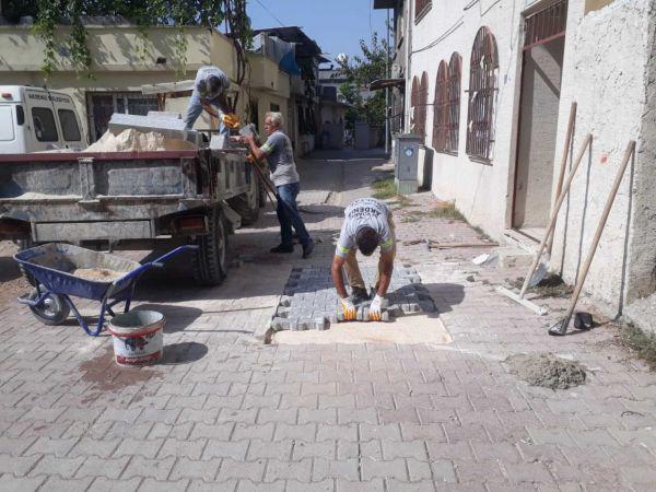 Akdeniz'de yol ve kaldırım çalışmaları aralıksız sürüyor