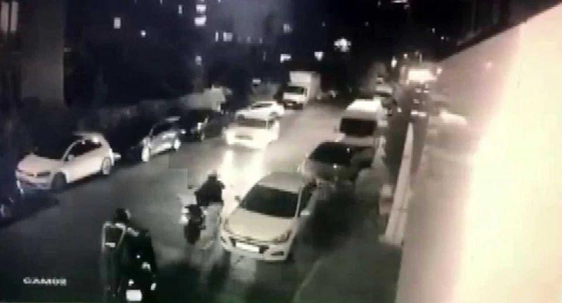(Özel) Üsküdar'da 1 buçuk dakikada motosiklet hırsızlığı kamerada