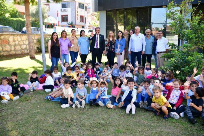 Başkan Soner Çetin güne çocuklarla başladı