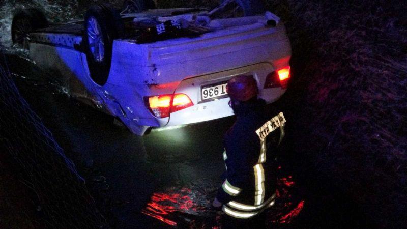 Sulama kanalına otomobil uçtu, ekipler alarma geçti