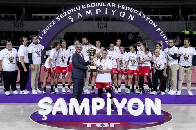 Mersin Büyükşehir GSK Kadın Basketbol Takımı şampiyon oldu