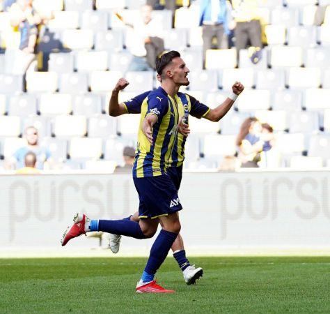 Süper Lig: Fenerbahçe: 2 - Kasımpaşa: 0 (İlk yarı)