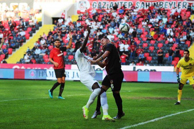 Süper Lig: Gaziantep FK: 0 - Altay: 0 (İlk yarı)