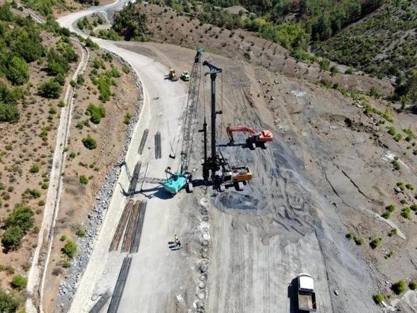 Mansurlu yolu 2 yıl içerisinde tamamlanacak