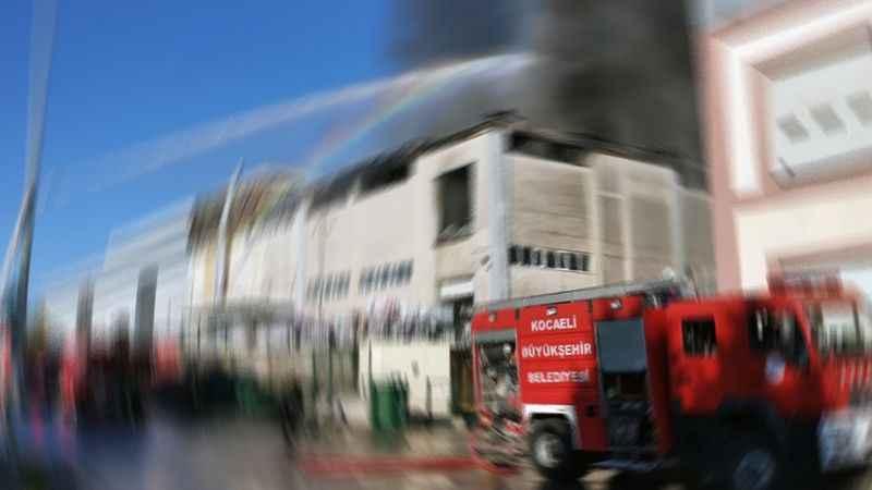 Kartepe'de fabrika yangını
