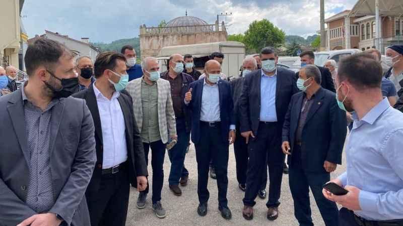 Fikri Işık, Hasan Ayaz'la sahaya indi