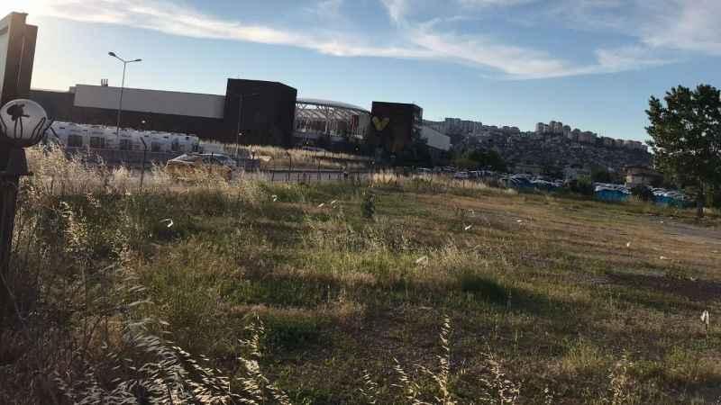İzmit'teki Yediemin Otoparkı taşındı. Şimdi Millet Bahçesi olacak