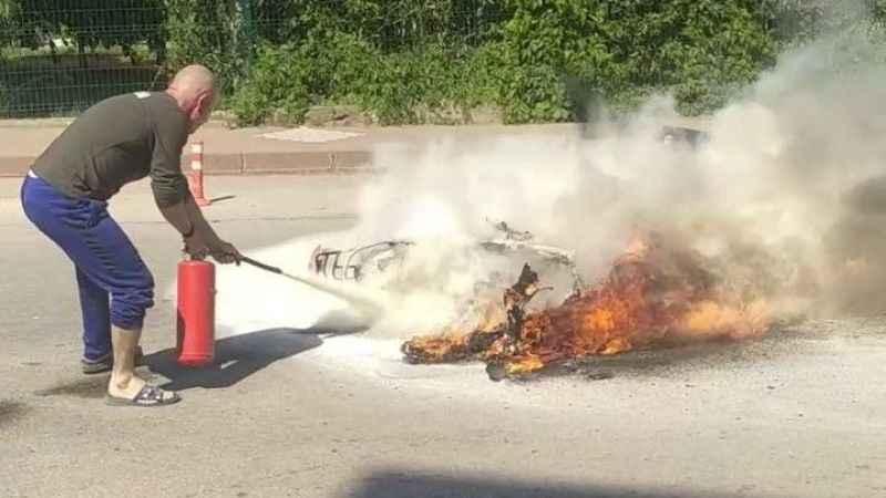 Yeni aldığı motosikleti yandı kendisi hastanelik oldu
