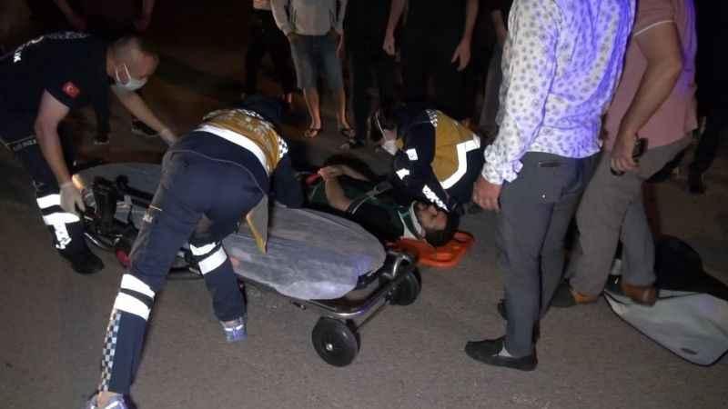 Kontrolsüz kavşakta otomobil ile motorlu kurye çarpıştı: 1 yaralı