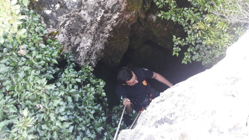 Mağarada zorlu keçi operasyonu