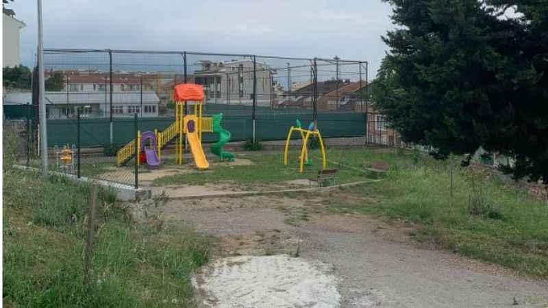 İzmit'te alkol alanların mekanı haline gelen parkı mahalleli yeniden yaptırıyor