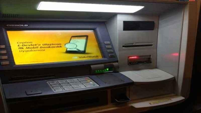 VakıfBank ATM'si vatandaşın parasına el mi koydu?